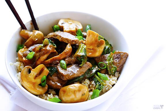 This Ginger Beef, Mushroom & Kale Stir-Fry is a total crowd-pleaser of ...