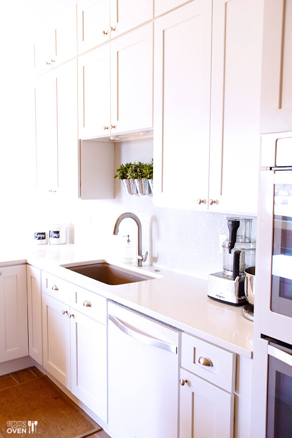Gimme Some Oven White Kitchen Remodel | gimmesomeoven.com #kitchen