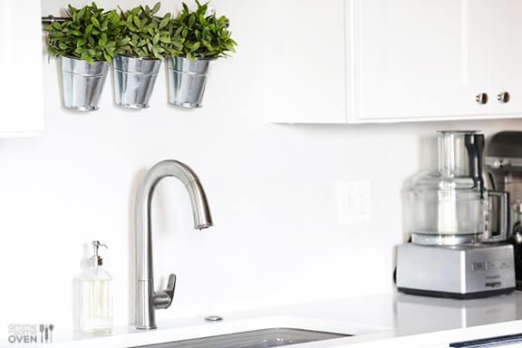 Kitchen Remodel: Kohler Faucet & Sink | gimmesomeoven.com
