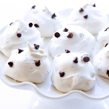 Chocolate Chip Meringue Cookies | gimmesomeoven.com