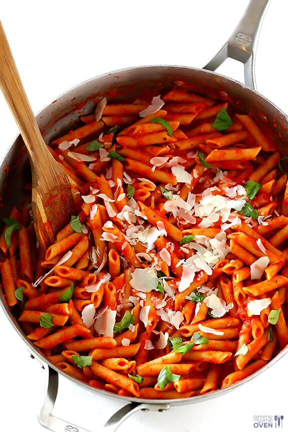 Pasta with Easy Roasted Red Pepper Sauce   gimmesomeoven.com