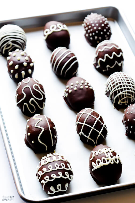4-Ingredient Easter Egg Oreo Truffles | gimmesomeoven.com