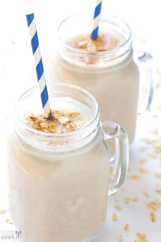 (Skinny!) Oatmeal Cookie Smoothie | gimmesomeoven.com