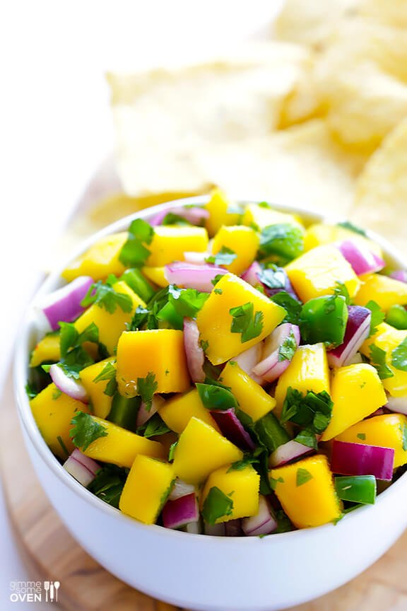 Fresh Mango Salsa Recipe with Chips