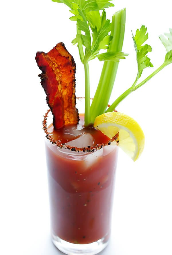 Peppered Bacon Bloody Mary | gimmesomeoven.com #cocktail #drink