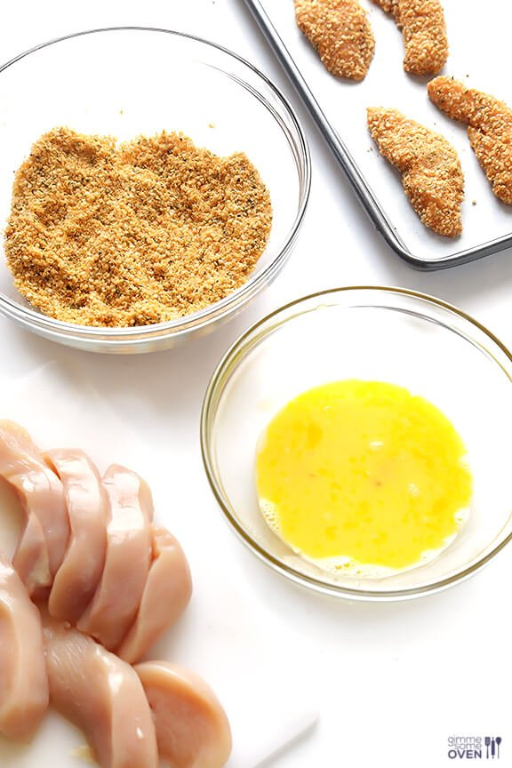 Hemp Crusted Chicken Tenders -- this easy and delicious recipe is packed with protein and is also naturally #glutenfree! | gimmesomeoven.com #gf #recipe