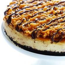 Samoa Cheesecake | gimmesomeoven.com