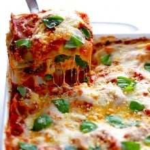 10-Minute Spinach Lasagna | gimmesomeoven.com #pasta