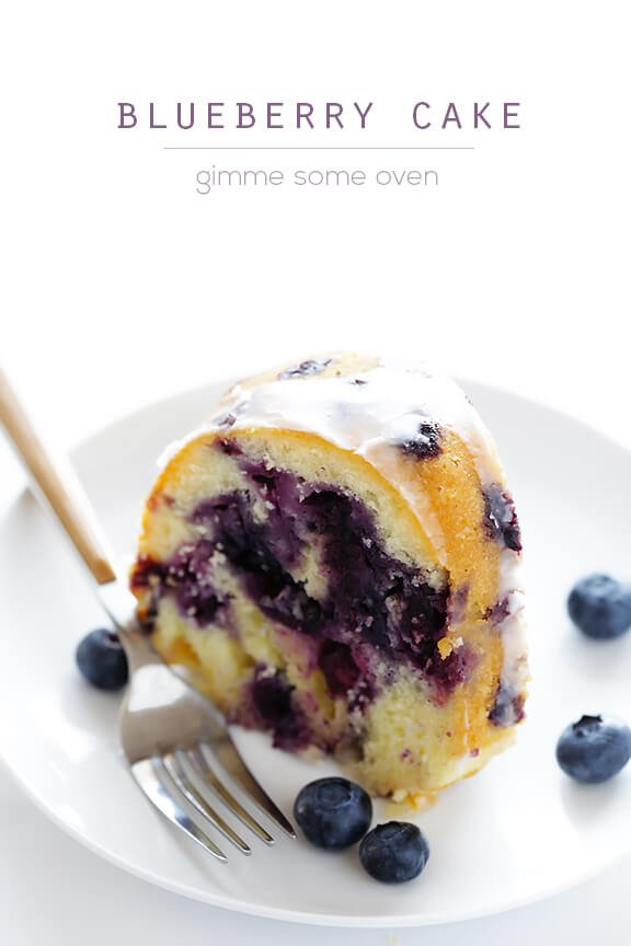 Blueberry Cake -- made with fresh blueberries and topped with a delicious glaze | gimmesomeoven.com #dessert