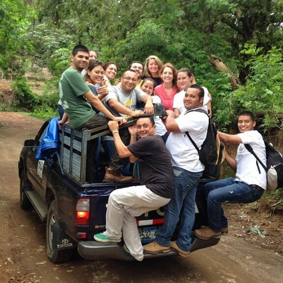 10 People I Met In El Salvador | gimmesomeoven.com/life #blogunbound