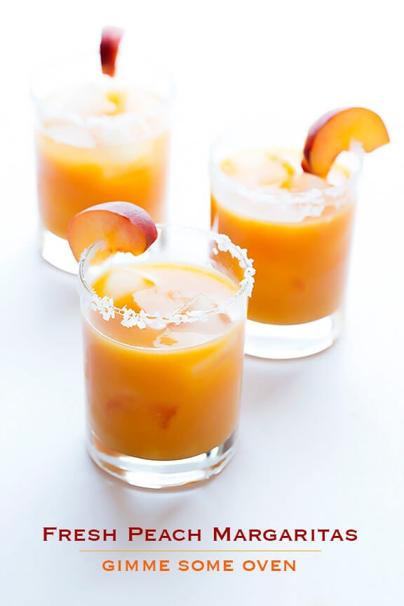 Fresh Peach Margaritas | gimmesomeoven.com #cocktail