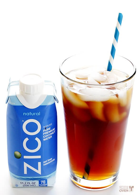 Coconut Water Iced Coffee -- delicious cold brew coffee is naturally sweetened with the delicious taste and hydrating benefits of coconut water | gimmesomeoven.com #vegan #glutenfree
