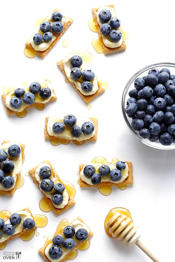 "Easy Blueberry ""Cheesecake"" Bites -- all you need are 4 ingredients to make this quick and easy dessert/snack 