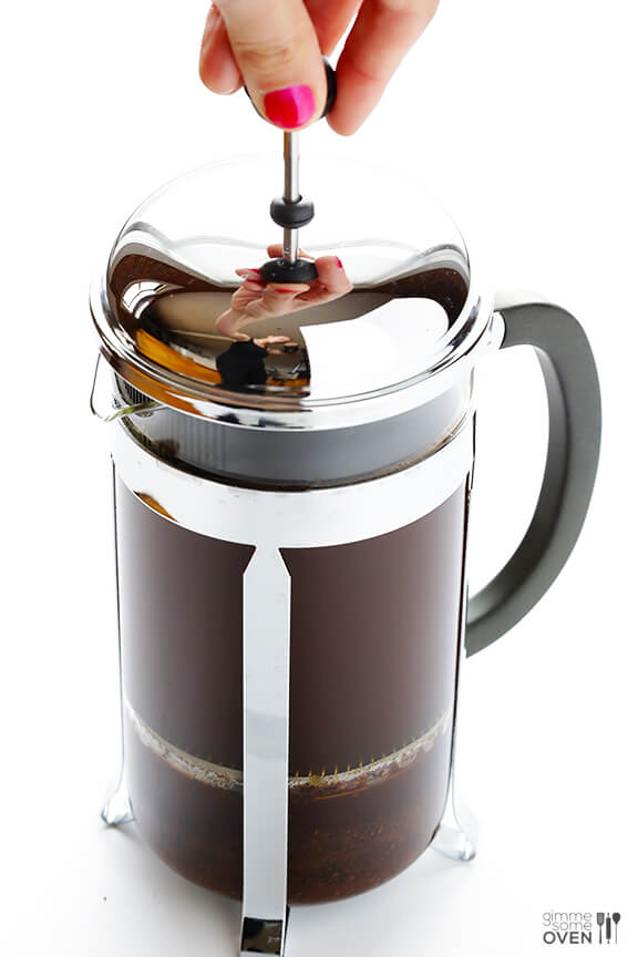 French Press Coffee -- learn how to make perfect French press coffee with this step-by-step tutorial | gimmesomeoven.com #howto