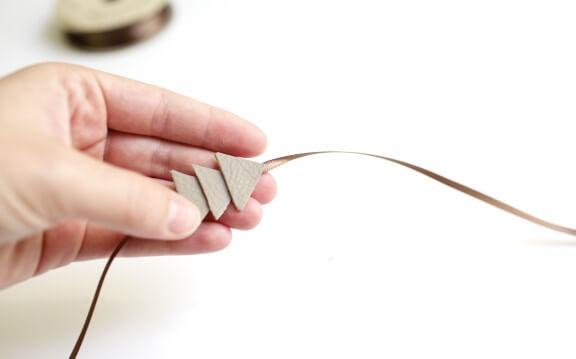 DIY Leather Bracelet | www.gimmesomeoven.com/style