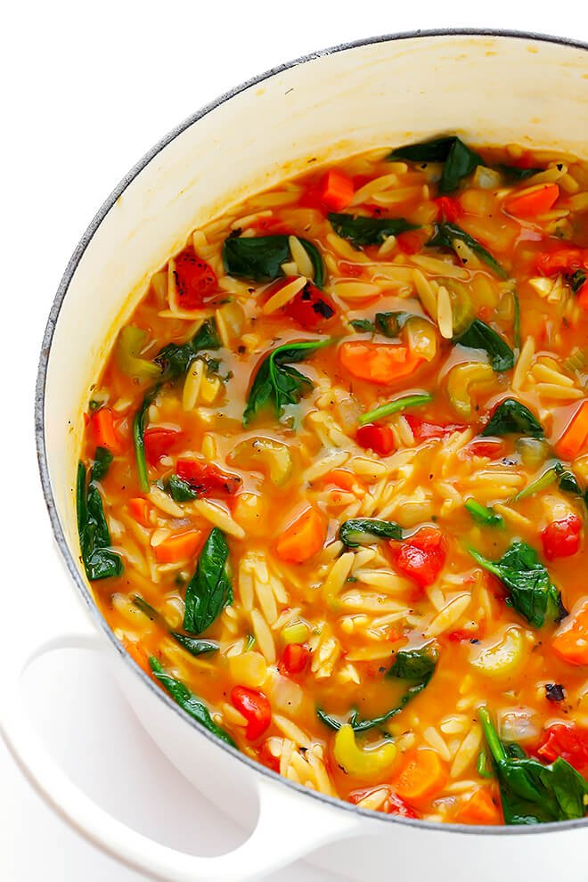 This Italian Orzo Spinach Soup recipe is ready to go in 30 minutes, and it's so delicious and comforting! Feel free to add in some Italian sausage if you'd like extra protein. | gimmesomeoven.com