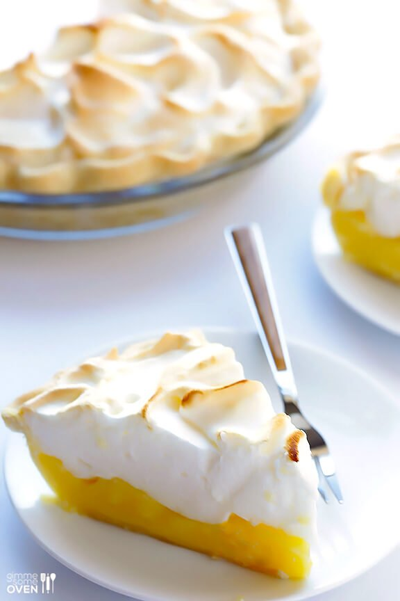 Lemon Meringue Pie | gimmesomeoven.com #dessert #pie #recipe