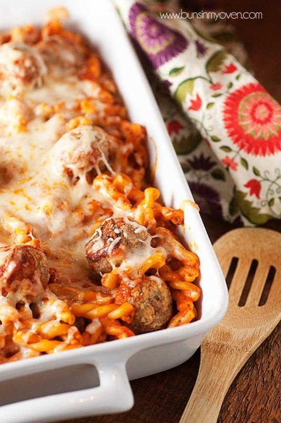 Chicken Parmesan Meatball Casserole | bunsinmyoven.com