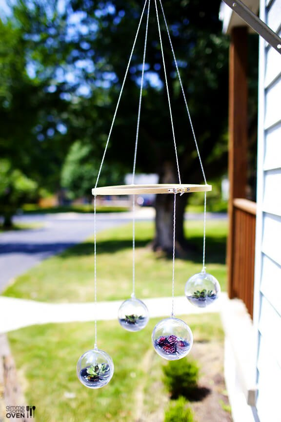 DIY Terrarium Mobile | gimmesomeoven.com #diy