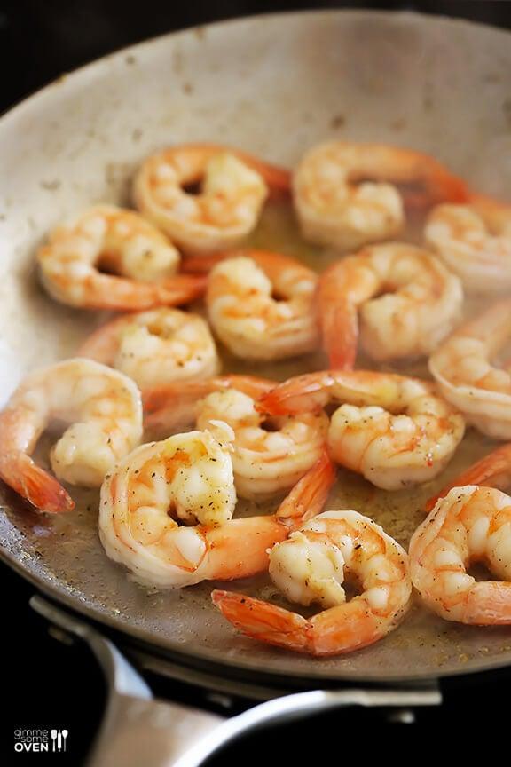 Easy Hoisin Shrimp | gimmesomeoven.com
