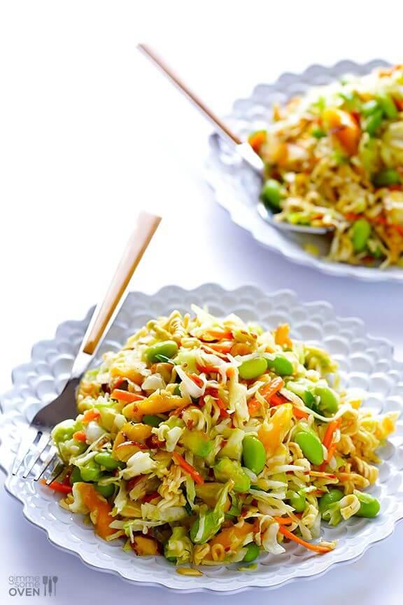 Crunchy Asian Ramen Noodle Salad I gimmesomeoven.com