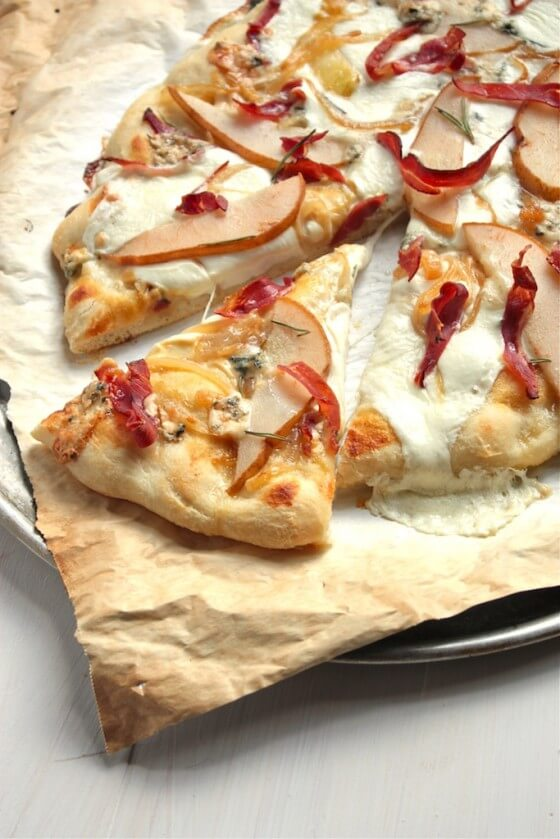 Prosciutto and Pear Pizza | countrycleaver.com