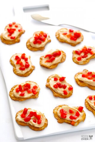Pepper Jack Pretzel Bites | gimmesomeoven.com #snack
