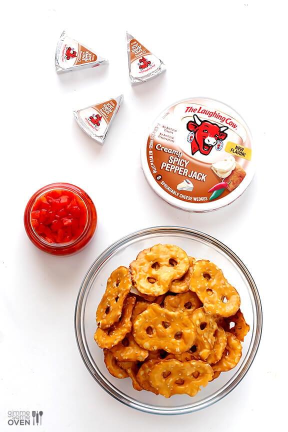 3-Ingredient Pretzel Bites | gimmesomeoven.com #snack