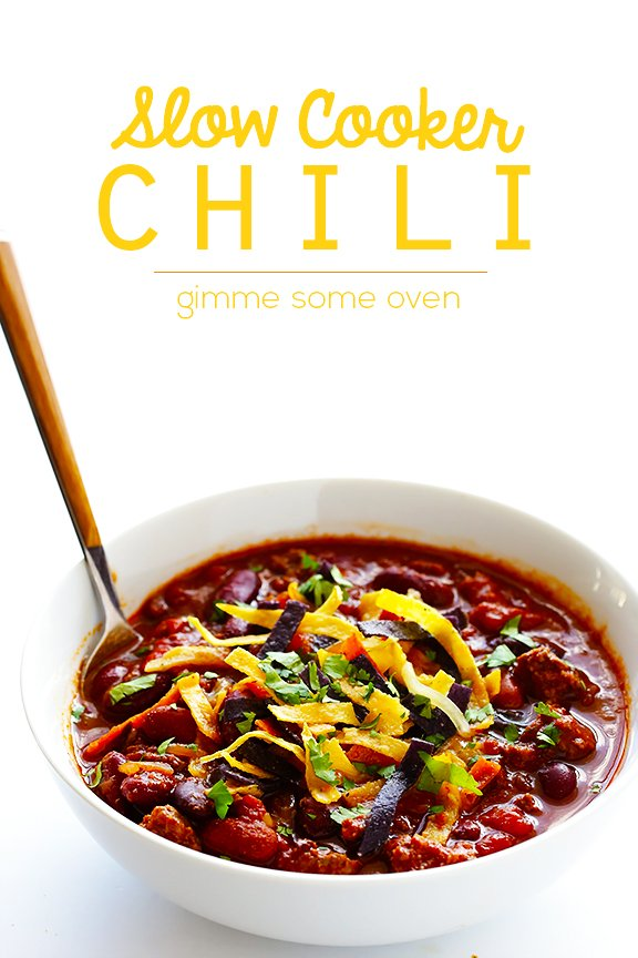 Classic Slow Cooker Chili -- super easy to make, and SO GOOD ...