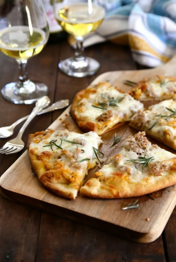 Pumpkin Naan Pizza with Gruyere and Fresh Herbs | climbinggriermountain.com