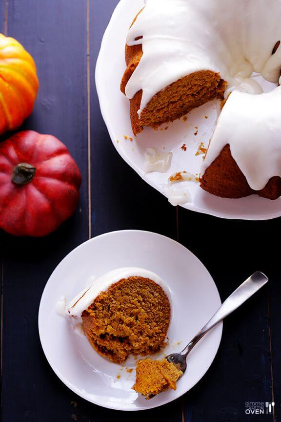 Pumpkin Spice Cake | gimmesomeoven.com