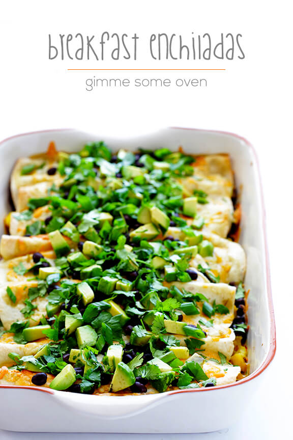 Breakfast Enchiladas -- all of your favorite breakfast ingredients rolled up into enchiladas! | gimmesomeoven.com