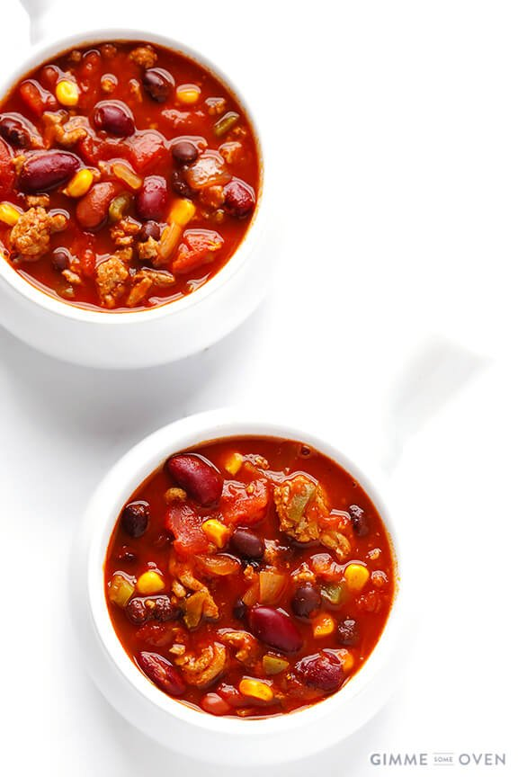 Slow Cooker Taco Turkey Chili | gimmesomeoven.com #slowcooker #crockpot