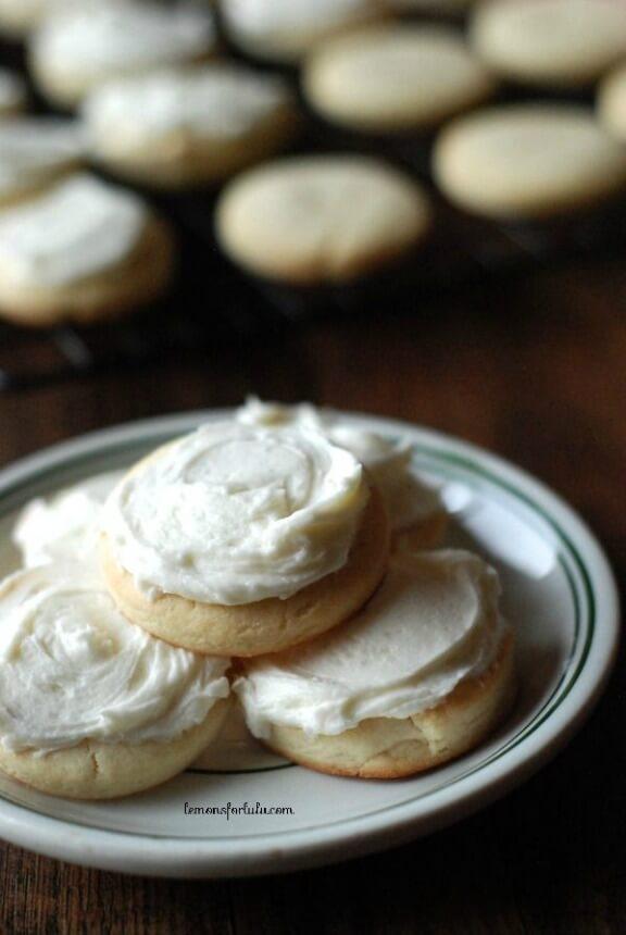 Eggnog Sugar Cookies | lemonsforlulu.com