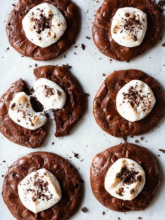 Flourless Hot Cocoa Cookies | forkknifeswoon.com