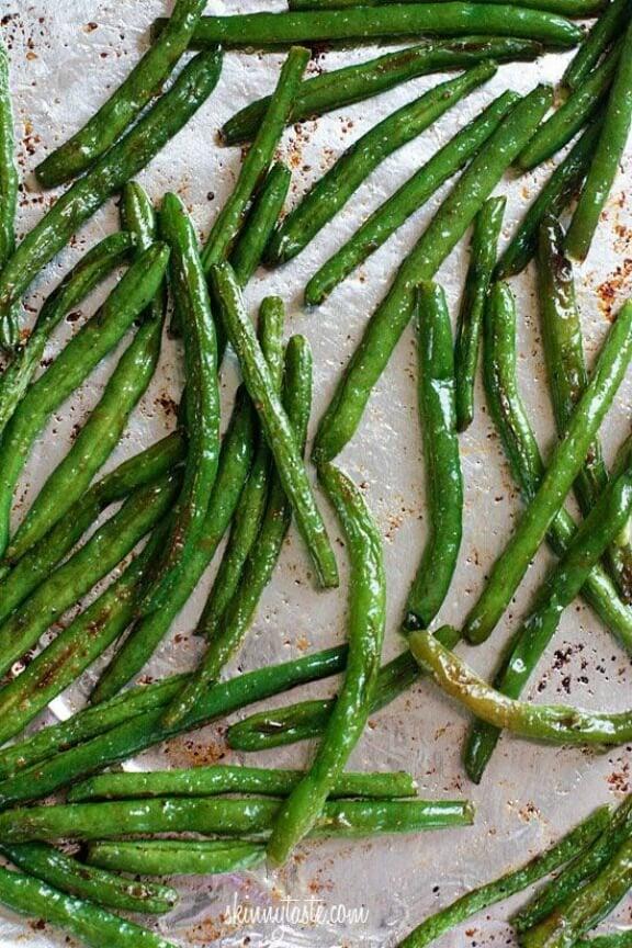 Roasted Parmesan Green Beans | skinnytaste.com