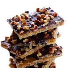 5-Ingredient Graham Cracker Toffee | gimmesomeoven.com #dessert #chocolate