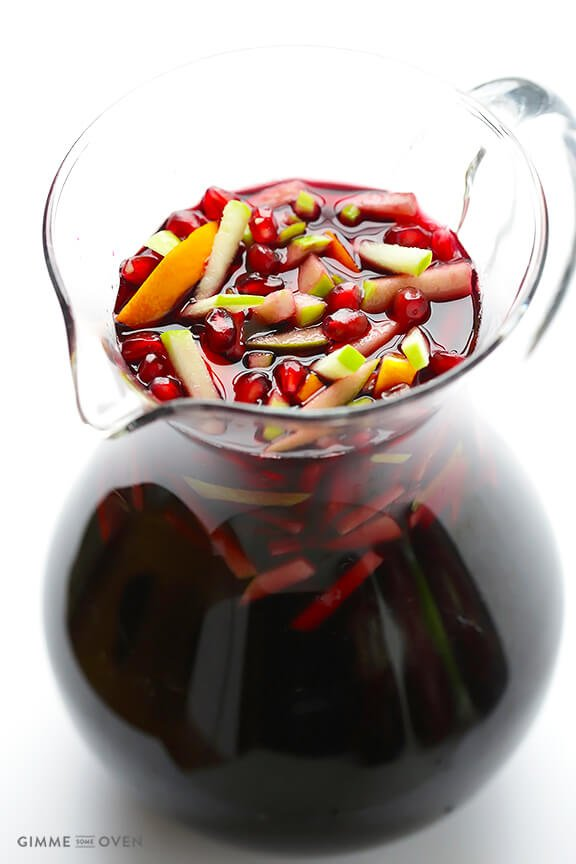 Pomegranate Green Apple Sangria | gimmesomeoven.com