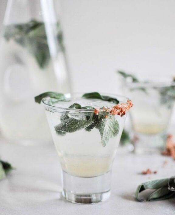 Honey Sage Gin Fizz | howsweeteats.com
