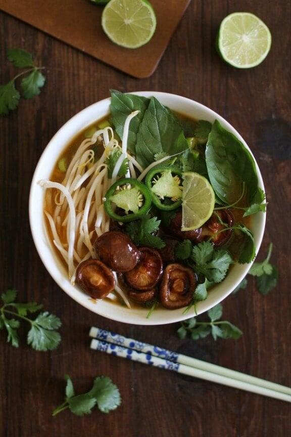 30-Minute Vegetarian Pho Soup | theroastedroot.net