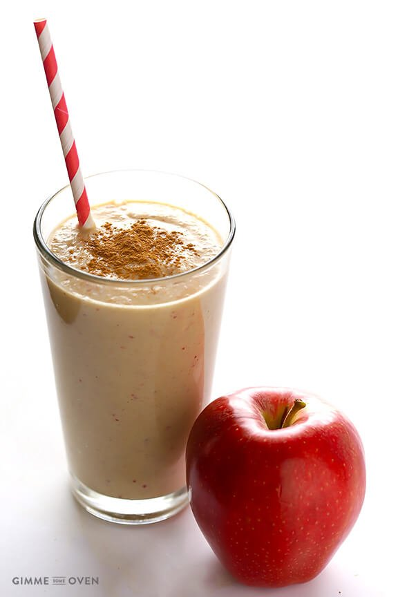Apple Pie Protein Smoothie -- it's quick, easy, made with everyday ingredients, and so tasty! | gimmesomeoven.com #glutenfree