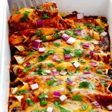 BBQ Chicken Enchiladas | gimmesomeoven.com