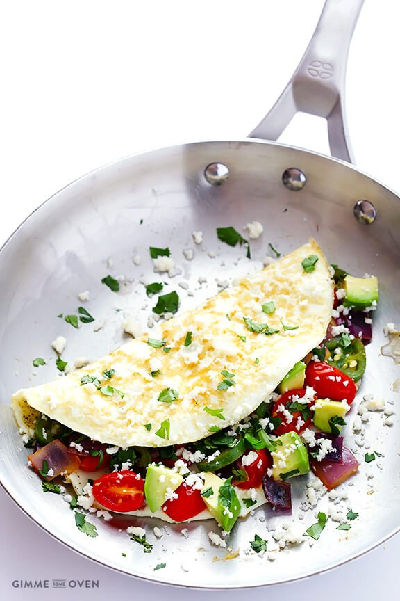 Easy Mexican Omelet -- quick, delicious, and perfect for breakfast! | gimmesomeoven.com