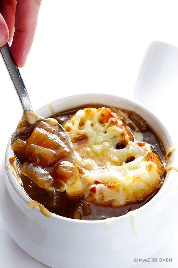 French Onion Soup -- classic, simple, and so comforting | gimmesomeoven.com