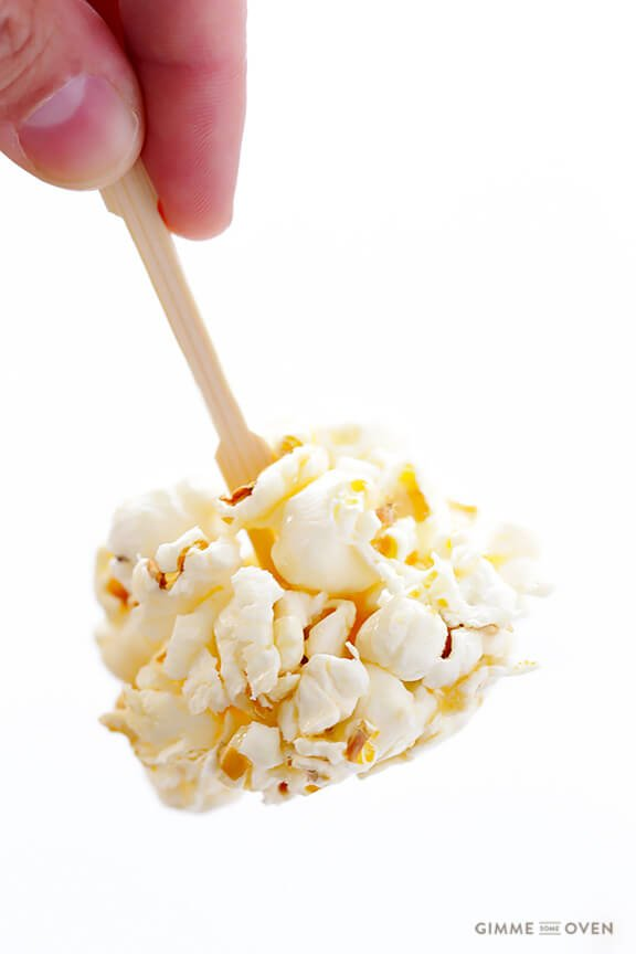 Naturally-Sweetened Honey Popcorn Balls | gimmesomeoven.com
