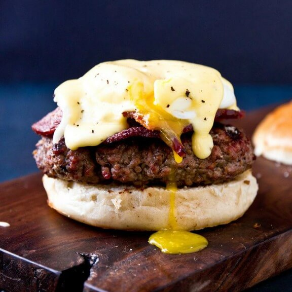 Eggs Benedict Burger | jasonandshawnda.com