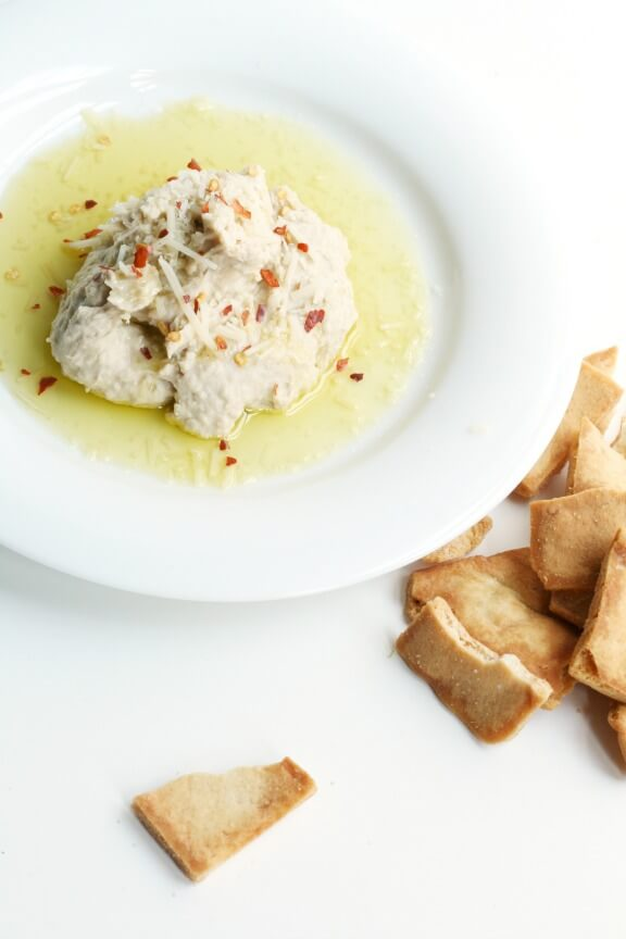 Italian White Bean Hummus | thefauxmartha.com