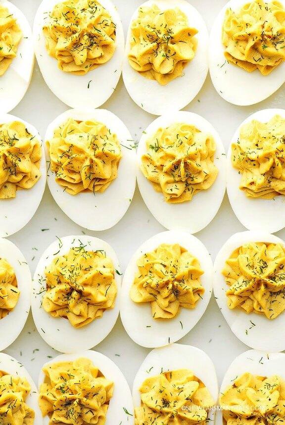 Perfect Deviled Eggs | shewearsmanyhats.com