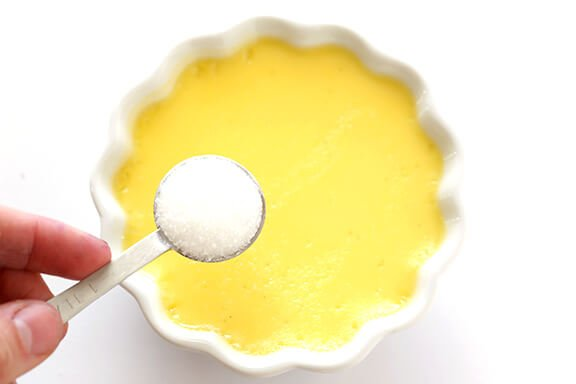 Creme Brulee -- step-by-step photos on how to make this classic dessert!   gimmesomeoven.com