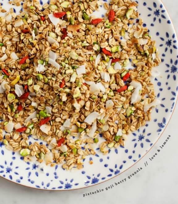 Pistachio Goji Berry Granola | loveandlemons.com